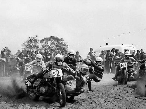 1979 Australian Motocross Championships Wanneroo - Barry Buckley and Russell Elmi SA lead in the 1000cc class