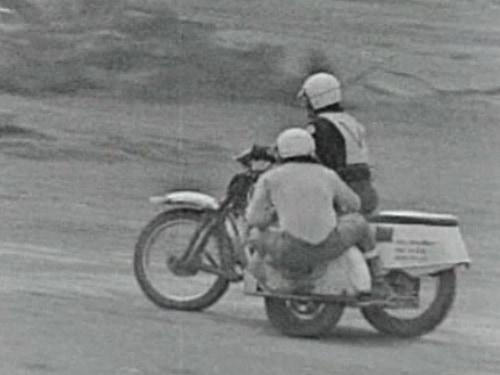 1971 Australian Championships - Junior Sidecar - Murray Williams