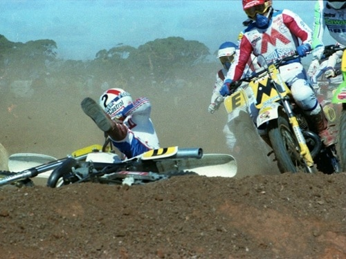 1983 King of the Cross crash sequence 3-4 Marty Moates behind fallen Craig Dack