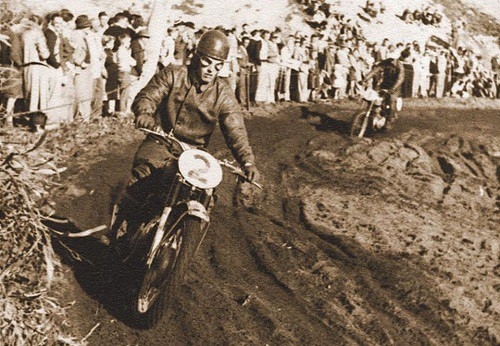 Les Sheehan leads Peter Nicol at the 1955 Australian Motocross Championships